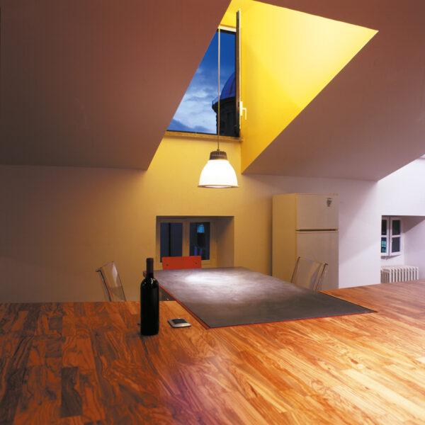 R01_Skylight+table=diningroom